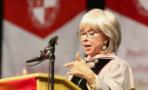 Rita Moreno rapea su discurso en