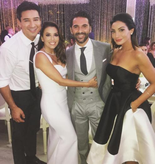 Los novios junto a Mario López y su esposa, Courtney