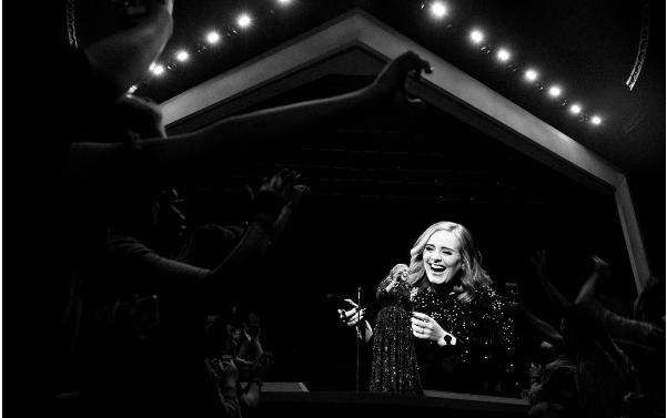 Adele olvida la letra de una