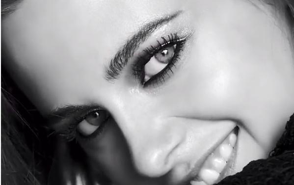 Kristen Stewart deja que sus ojos