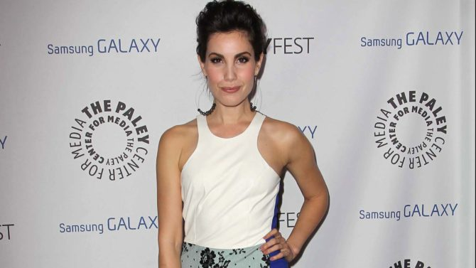 Carly Pope Joins the Cast of