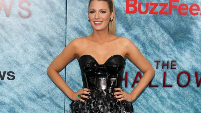 Blake Lively 'The Shallows' film premiere,