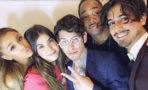 Reunión de Ariana Grande y actores