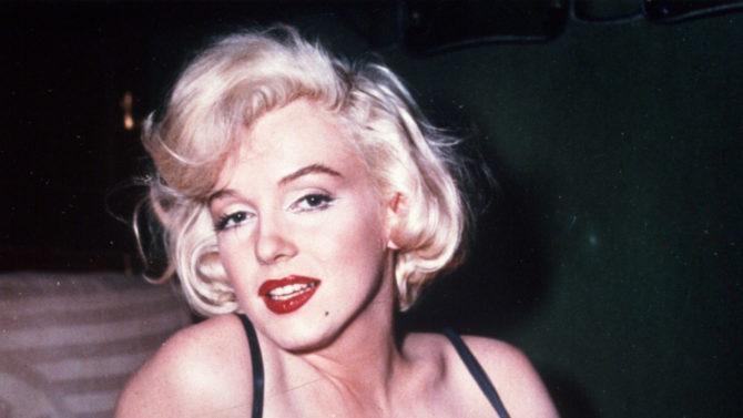 Subastan el cabellos de Marilyn Monroe