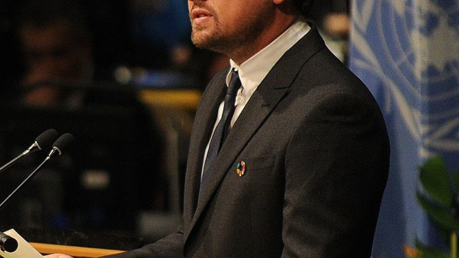 nardo DiCaprio dona $15 millones para