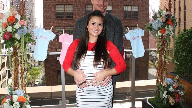 Catherine y Sean Lowe hijo