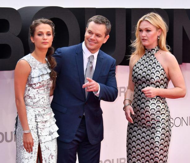 Alicia Vikander, Matt Damon y Julia Stiles