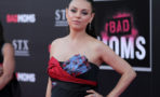 Mila Kunis luce su pancita de