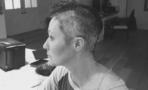 Shannen Doherty se rapa el cabello