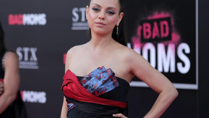 Mila Kunis estreno Bad Moms