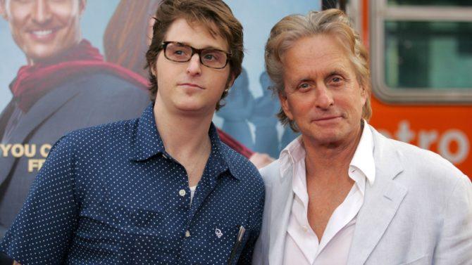 Cameron, hijo de Michael Douglas, es