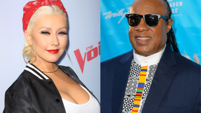 Christina Aguilera y Stevie Wonder cantarán