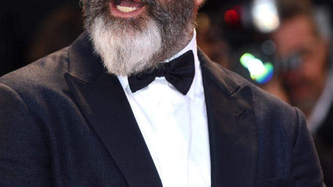 Mel Gibson arremete contra Batman v.