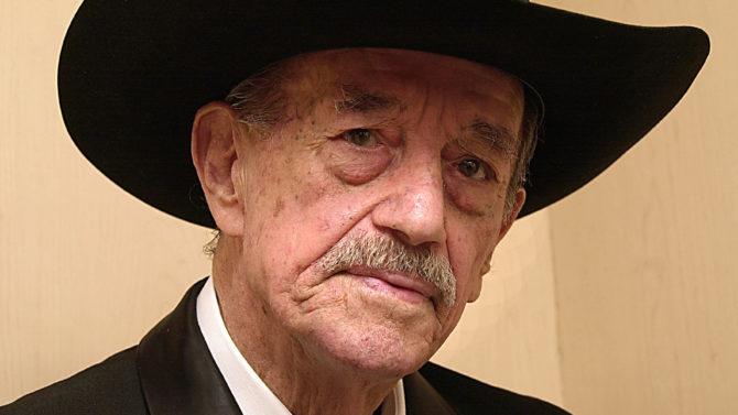 Muere Mario Almada