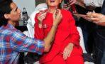 Katy Perry se disfraza de Hillary
