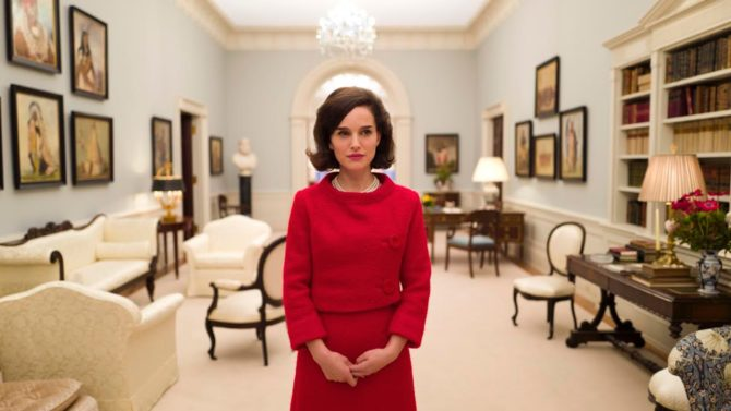 Natalie Portman como Jackie