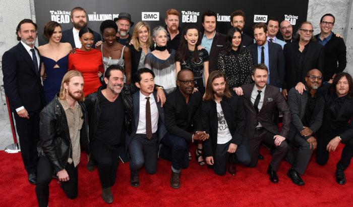 El elenco y productores de 'The Walking Dead'