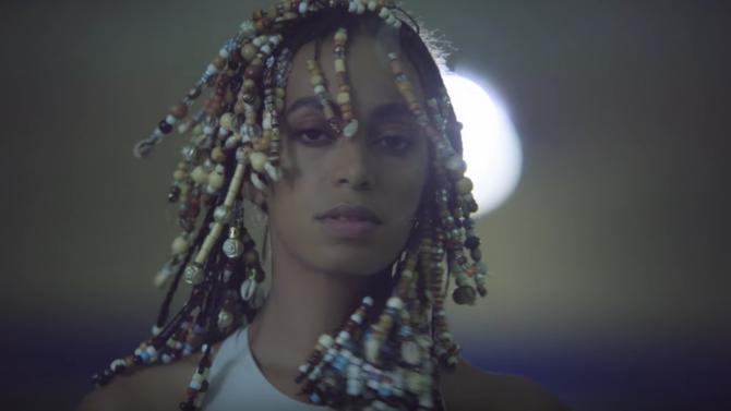 Solange Knowles lanza dos videos musicales