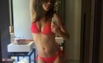 Elizabeth Hurley posa en bikini a