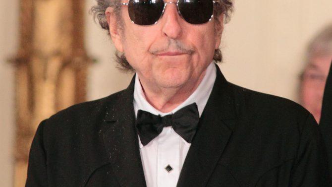 Bob Dylan no recogerá en persona