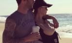 """Adam Levine comparte foto familiar: """"Todo"""
